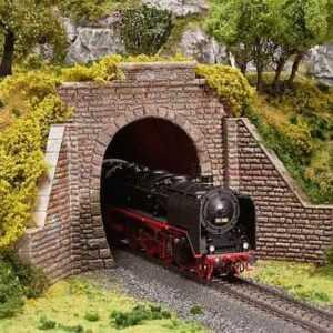 Tunnelportal für Dampf- und Oberleitungsbetrieb