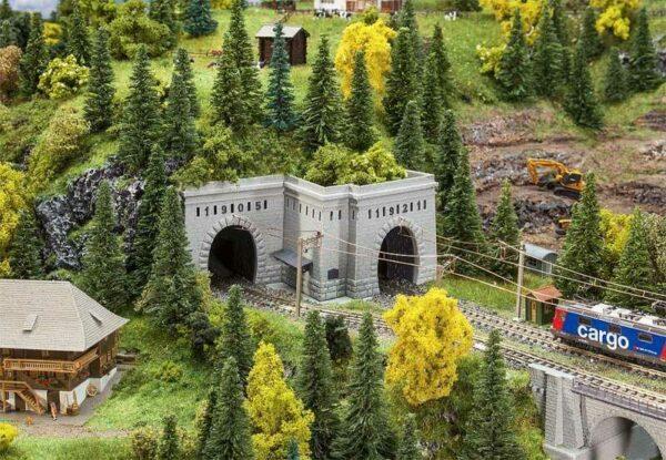Tunnelportale Simplon Nord und Süd