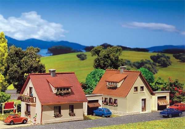 2 Einfamilienhäuser