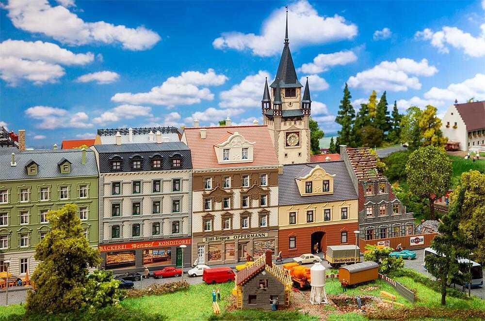 Stadthäuser-Set 50er Jahre