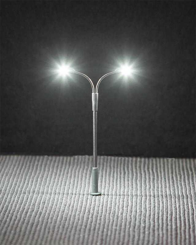 LED-Peitschenleuchte, Doppelausleger