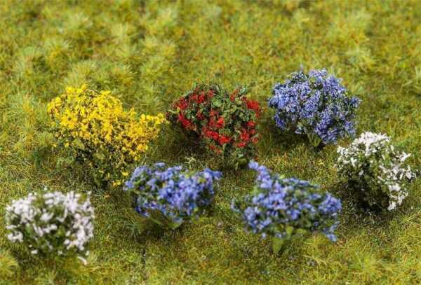 14 Blühende Büsche