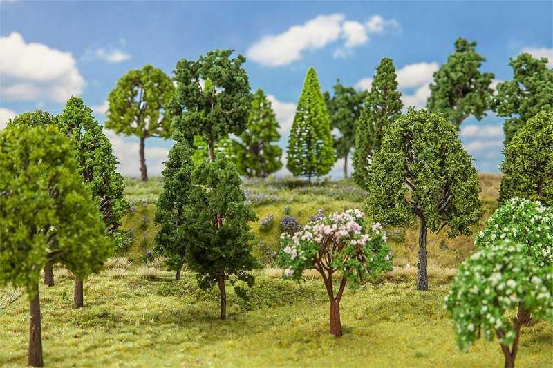 30 Laubbäume