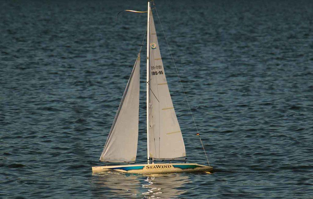 Segelboote Modellbau ferngesteuert