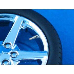 Velves to wheels / Luftventile für Reifen