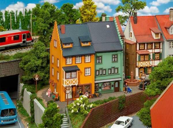 2 Reihenendhäuser Kleinstadt