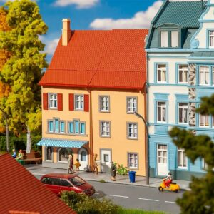 2 Reliefhäuser Kleinstadt