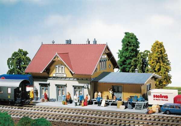 Kleinstation Blumenfeld