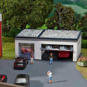 Garage mit Torantriebsteilen